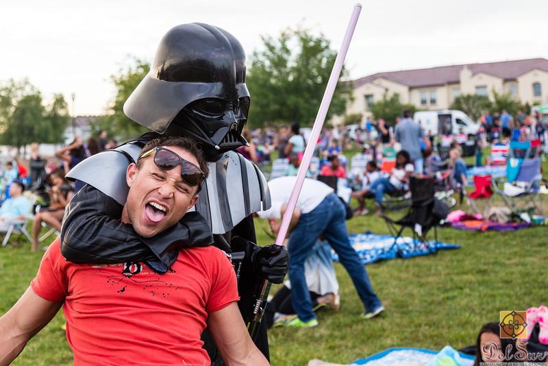 Del Sur Movie Night featuring Star Wars VII_20160618_052