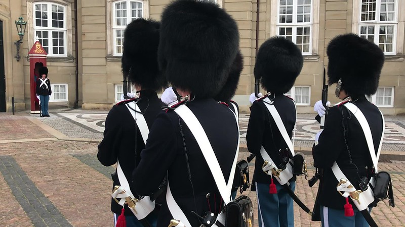 VIDEO-Amellenborg Palace - Copenhagen