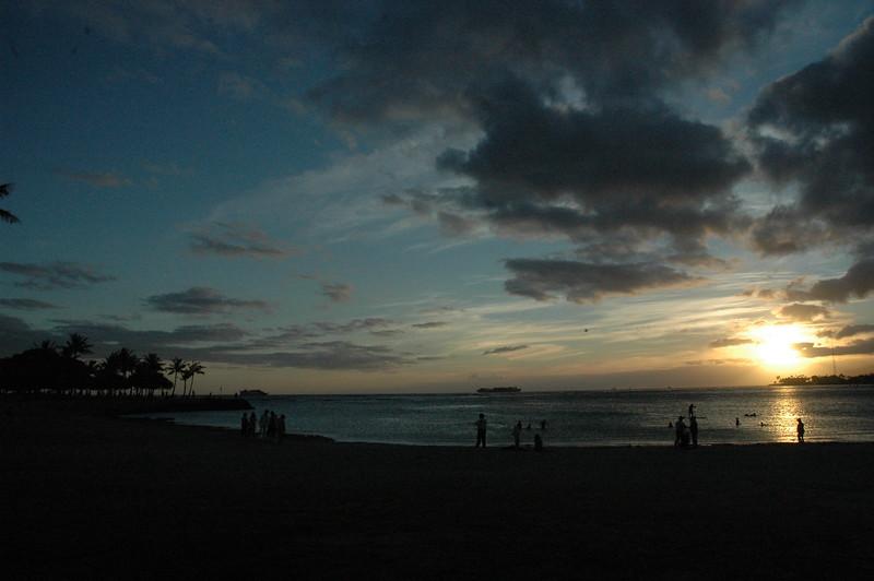 Hawaii - Ala Moana Beach Sunset-17.JPG