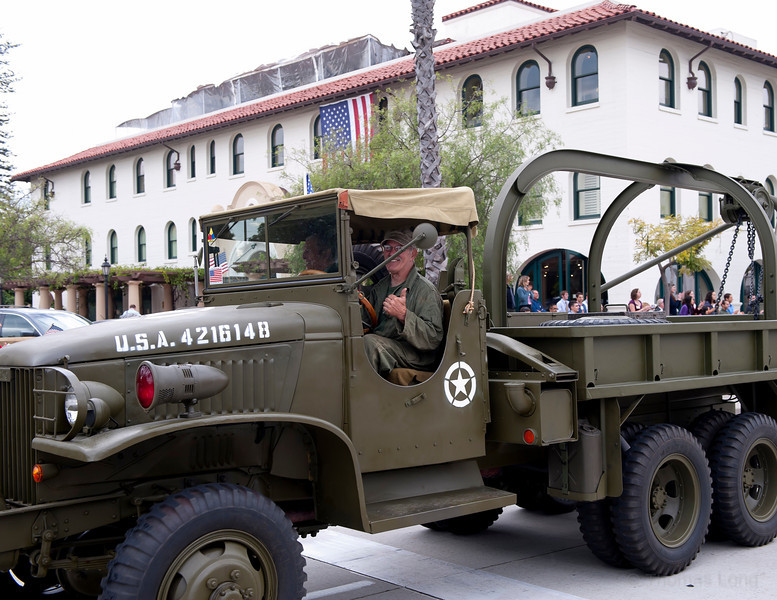 Vet Parade SB2011-060.jpg