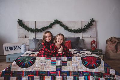 Lyla & Klara {Holiday mini 2019}