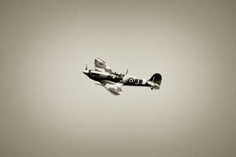 SpitfireIX_02.jpg