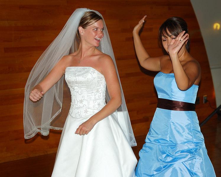 D:\Pictures\Josh and Emily's Wedding\Completed\EmandSamDance.jpg