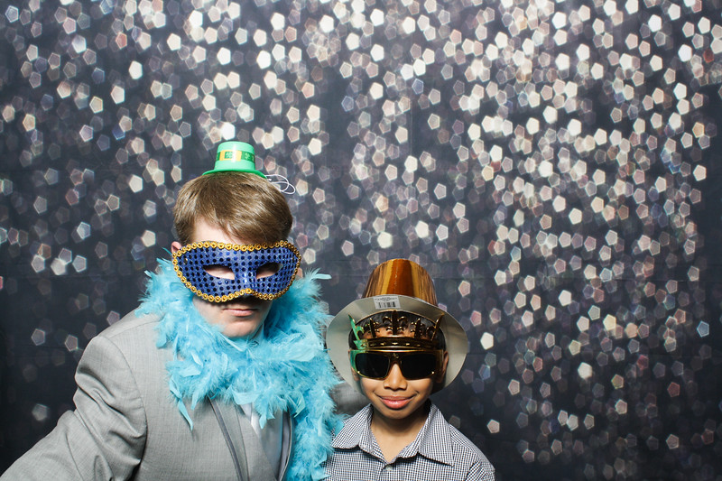 SavannahRyanWeddingPhotobooth-0056.jpg