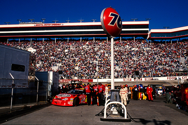 3-25-01 Bristol #24 Jeff Gordon a (2).jpg