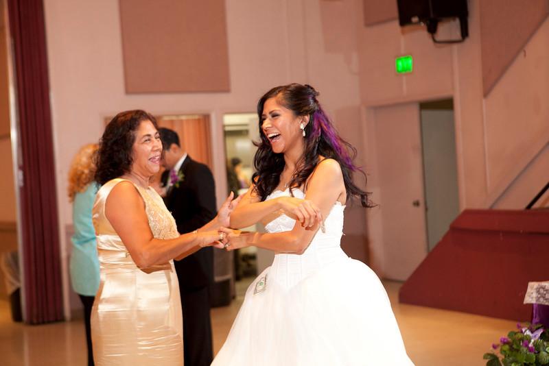 2011-11-11-Servante-Wedding-494.JPG