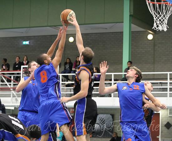 20111127 Arnhem Eagles vs Cobra Nova