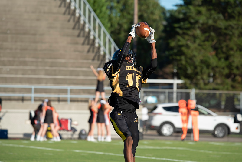 20191010 RJR JV Football vs Davie 039Ed.jpg