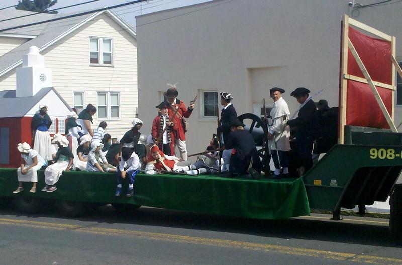 UTHS Memorial day parade 2011.jpg