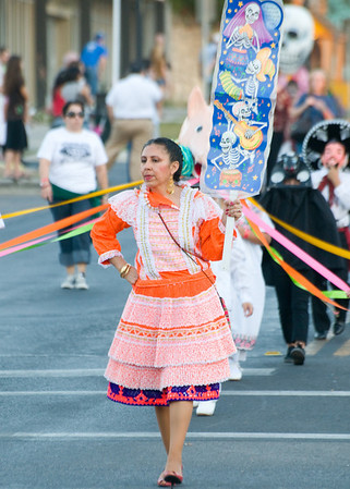11/01/08 - Dia Del Los Muertos Parade