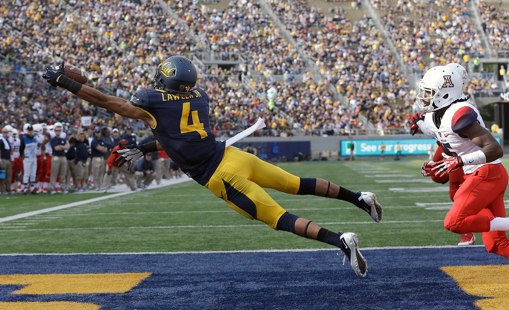. California wide receiver Kenny Lawler (4) catches a 3-yard touchdown pass from quarterback Jared Goff past Arizona cornerback Jonathan McKnight, right, during the third quarter of an NCAA college football game in Berkeley, Calif., Saturday, Nov. 2, 2013. (AP Photo/Jeff Chiu)