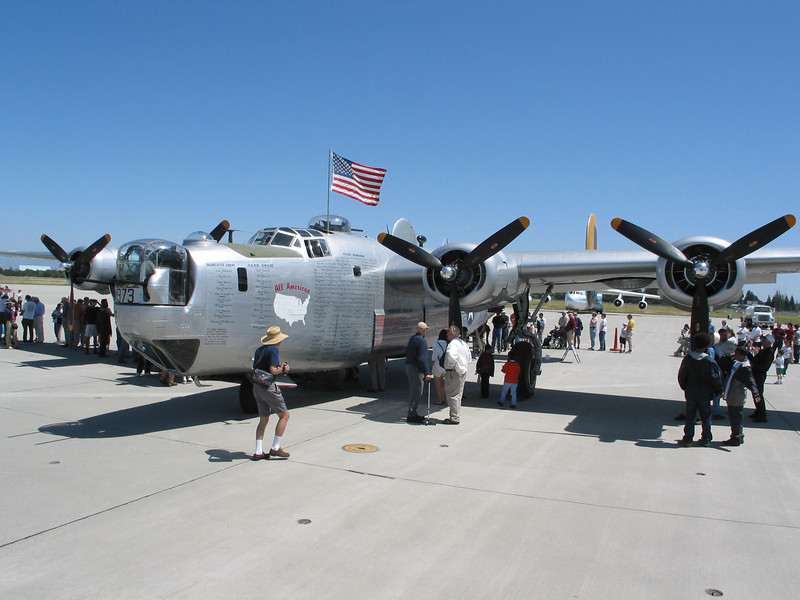 Liberator at Moffet Field (27).jpg
