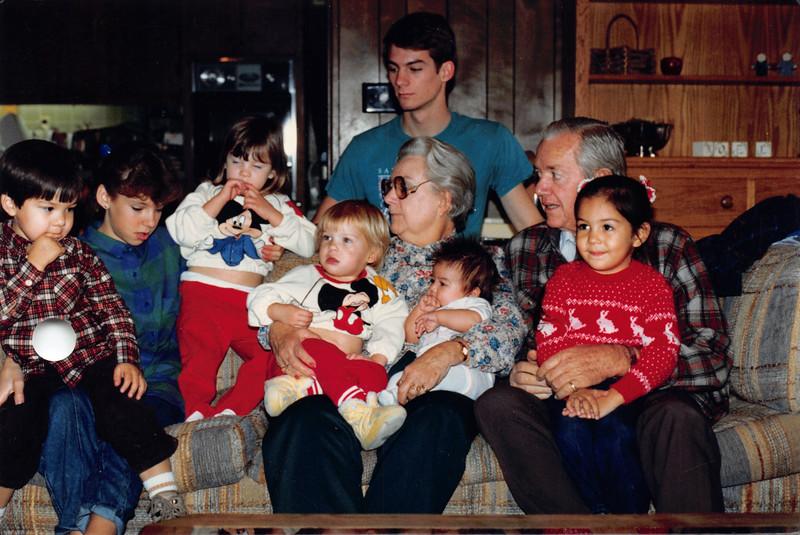 Dec 28, 1986. Josh, Annmarie, Elizabeth, Emily, Dan, Frankie, Ali?, Ruben, Alaya