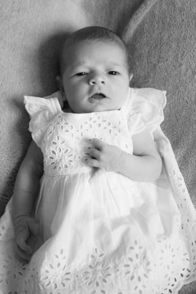 2014.03.30 Whitney Kronforst Newborn Photos B-W 19.jpg