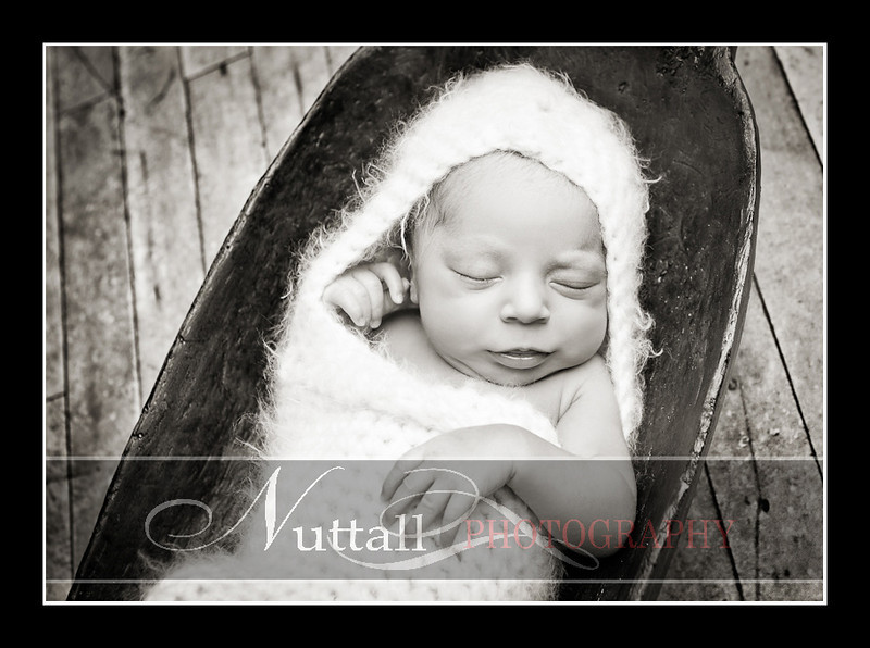 Noah Newborn 28.jpg