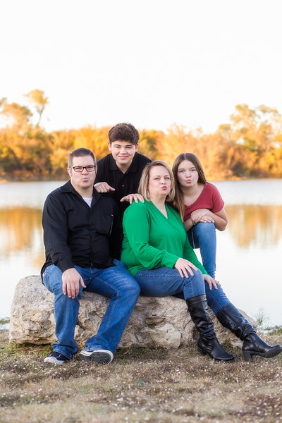 DSR_20191109Elliott Family233-Edit.jpg