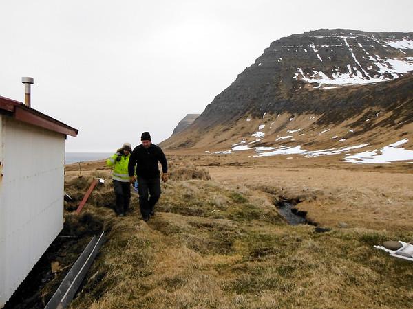 Nýtt járn á þakið á Stíghúsi