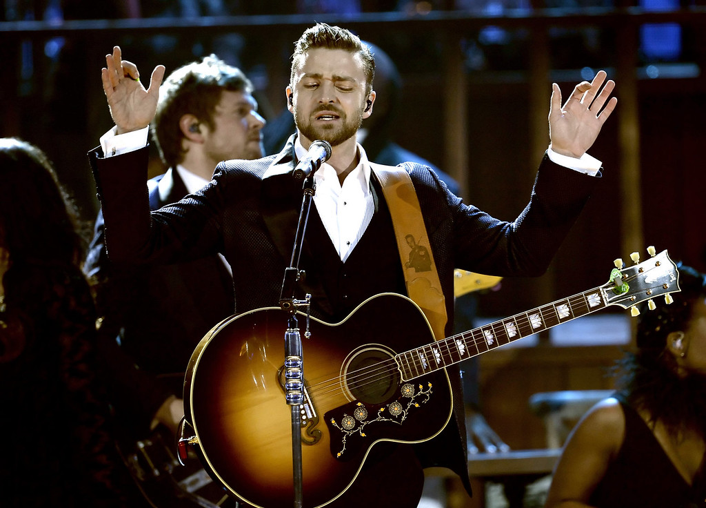 . Singer Justin Timberlake performs onstage during the 2013 American Music Awards at Nokia Theatre L.A. Live on November 24, 2013 in Los Angeles, California.  (Photo by Kevin Winter/Getty Images)