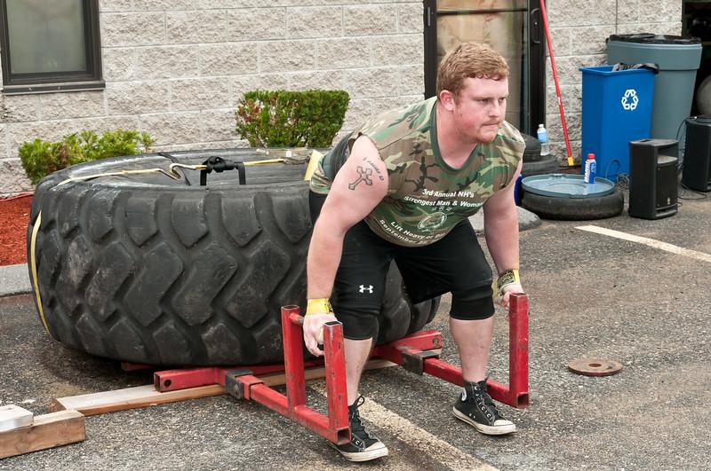 Fitness Revolution Strongman Challenge 2011_ERF3865.jpg