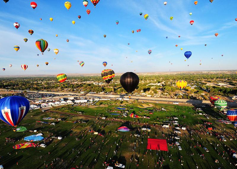 NEA_5723-7x5-Balloons.jpg