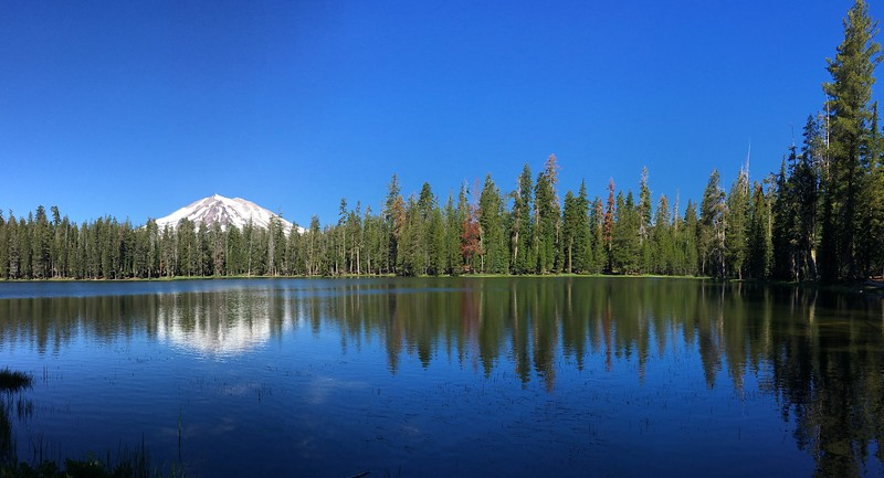 Mt Lassen from Summit Lake looking pretty peaceful...