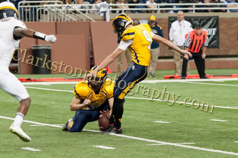 2014 Clarkston Varsity Football vs. Saline 587.jpg