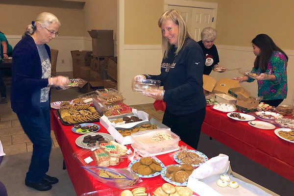 Sibley Cookie Packing Party 2017