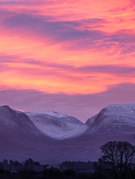 Lairig Ghru view sunrise-1.jpg