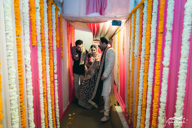 best-candid-wedding-photography-delhi-india-khachakk-studios_70.jpg