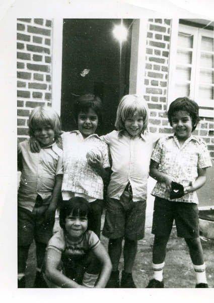 Filhos do Moura Ferreira (Hugo Filipe e Miguel Ângelo). Os gémeos, filhos do Valente mais novo, dos aviões e o João Sá Pires.