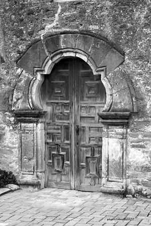 PRINT-MONO-UNASSIGNED-SILVER-MISSION DOOR-RICHARD CRONK