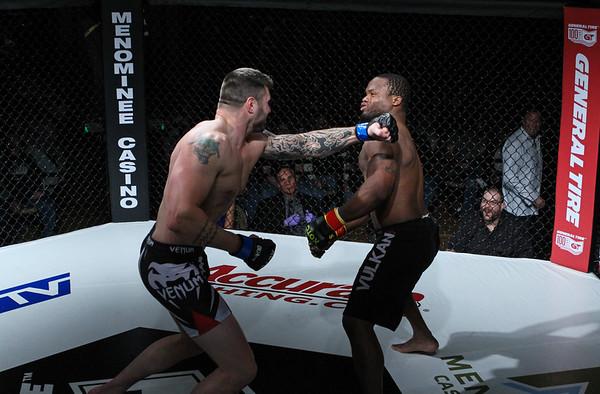 Quinton Collins vs Chad Johnson