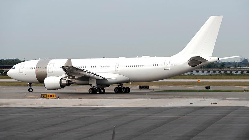 QatarAmiriFlight_01_JFK_16Sep2021_Taxi_A7-HHM_70-200mmD5.jpg