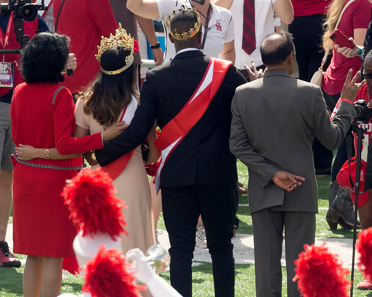President and Prof. Khator with the Homecoming Queen and King