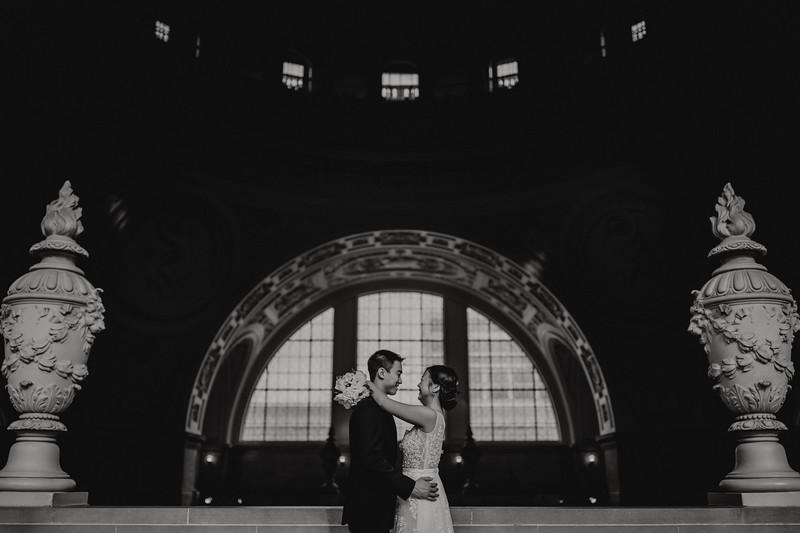 2018-01-02_ROEDER_JasonJennifer-SanFrancisco-CityHall-Wedding-CARD1_0026.jpg