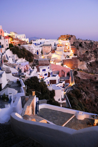 Dusk light on the west side of Oia