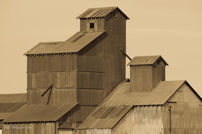 Barns #3-40.JPG