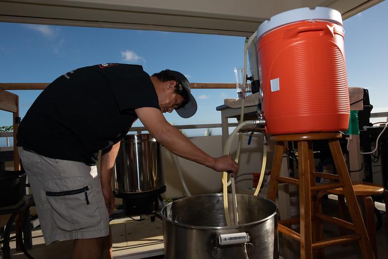 Hawaii - Brewing Beer-68.jpg