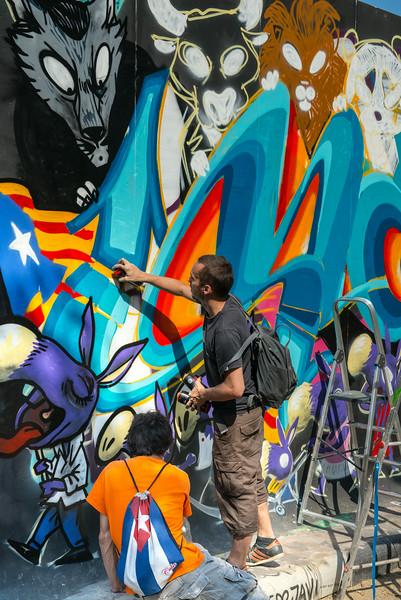 Graffiti Artist in Park De La Ciutadella