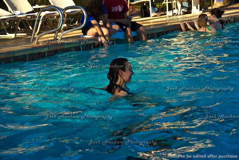 12.30.2008 Afternoon at the pool (17).jpg