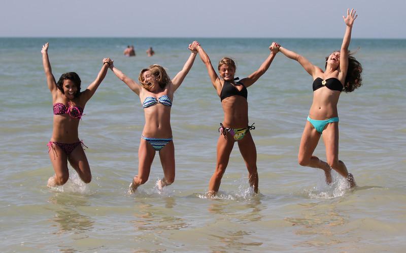 UK Cheerleaders on Clearwater Beach/Tampa NCAA