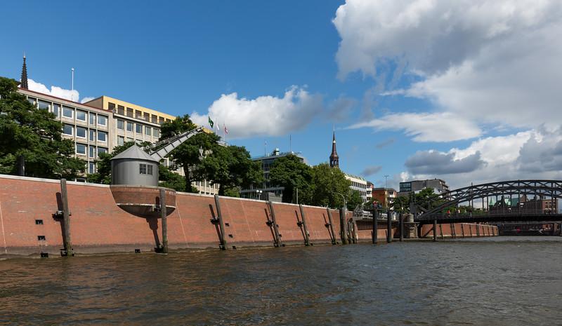 Zoll Kanal Hamburg