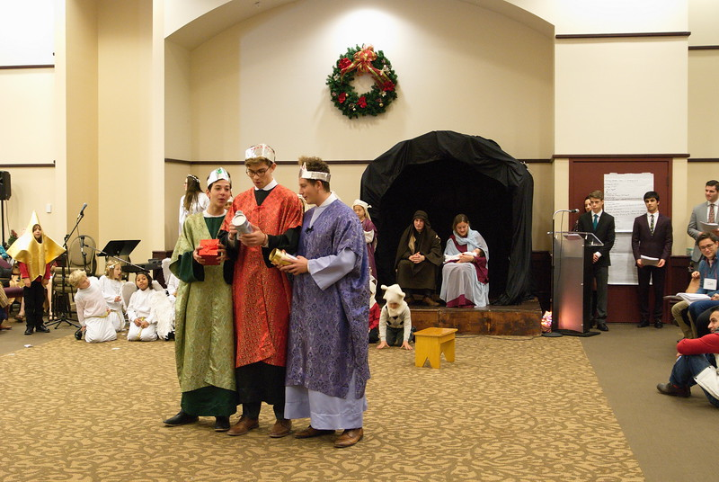 2017-12-17-Christmas-Pageant_228.jpg