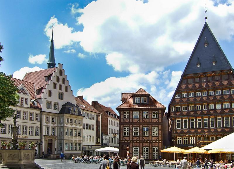 Hildesheim, Markt: Roland-, Bäckeramts- und Knochenhaueramtshaus