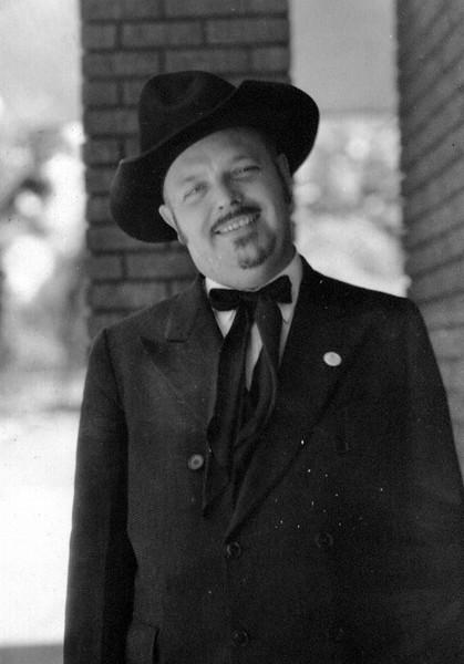 J.Wayne Eldredge