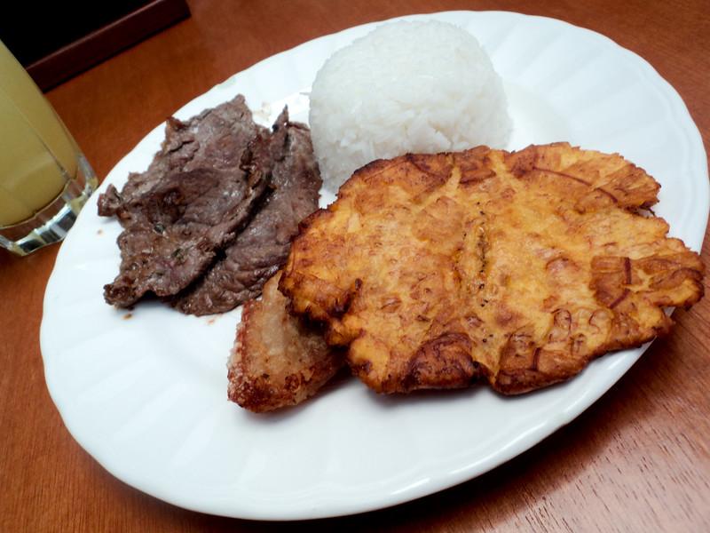 beef-and-patacone-at-lulodka_5055097784_o.jpg