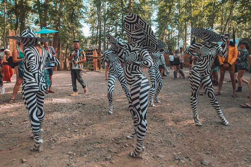 BassCoast2019-BananaCamPhoto-Saturday-Roaming-Dancers-2.jpg
