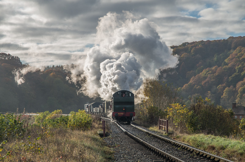 4270 powers towards Arley with the morning goods