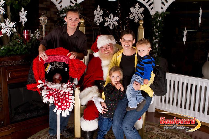 Santa Dec 15-249.jpg