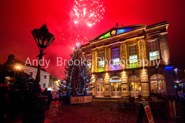 Andover Christmas Lights Switch on 2018
